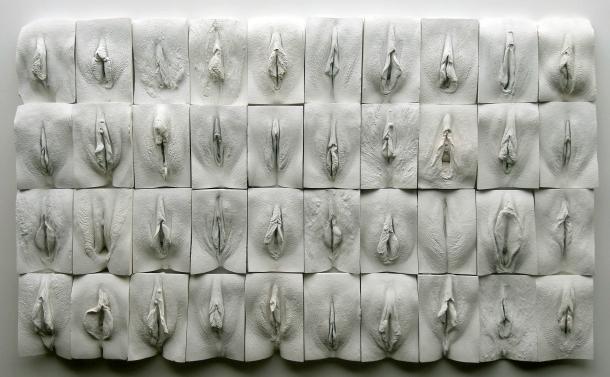 The Great Wall of Vagina, escultura do inglês Jamie McCartney