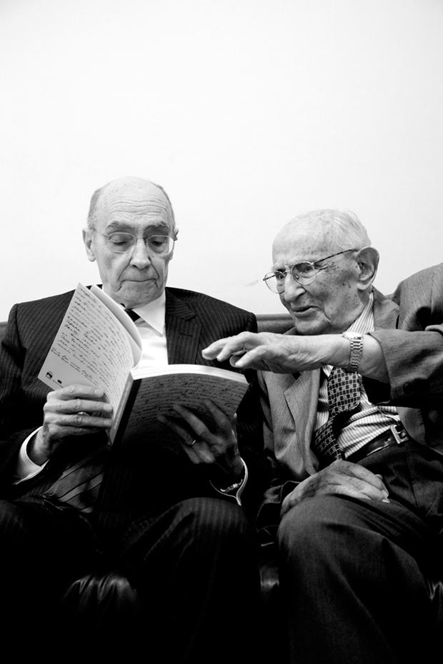 Mais de 200 anos de leituras no clique de Renato Parada: Saramago & Mindlin