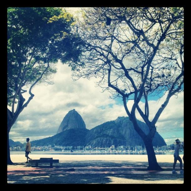 Não é essa coisa linda que você vê logo que chega ao Rio