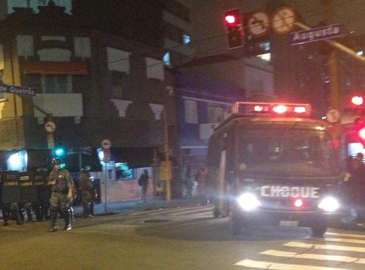 Tropa de Choque na Augusta, pouco antes de atirar balas e bombas sobre passantes