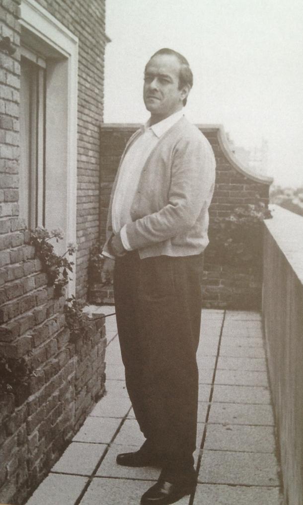 Vinicius em sua casa na Califórnia, nos anos 40