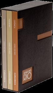 o projeto gráfico sóbrio tem elementos arquitetônicos da Belle Époque